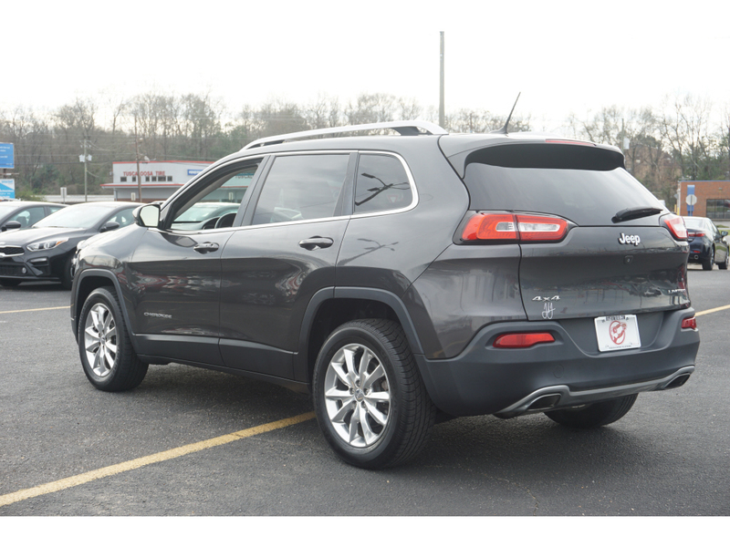 Pre-Owned 2015 Jeep Cherokee Limited 4WD